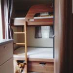 Wohnwagen - nachhaltig reisen - Etagenbetten